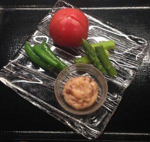 茹でアスパラとトマトの麦味噌マヨネ